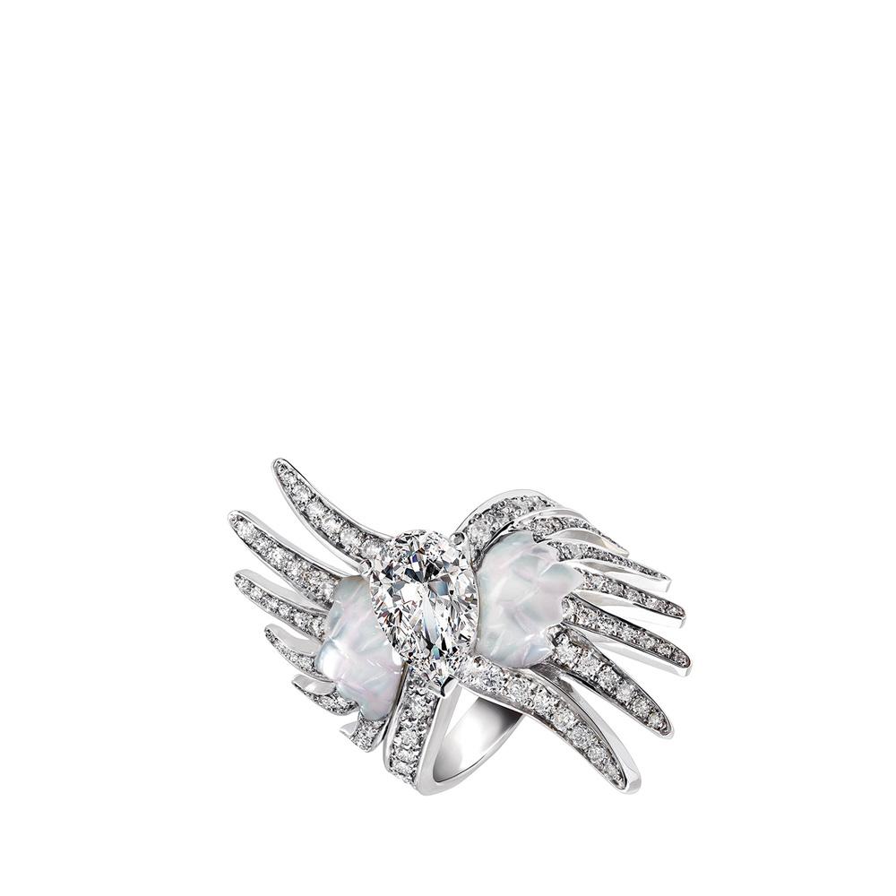 Vesta ring   Mother of pearls, diamonds, white gold   Fine jewellery Lalique