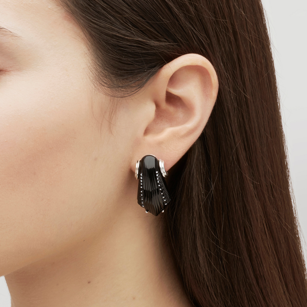 Icône earrings | Black crystal, silver, pin clasp system | Costume jewellery Lalique
