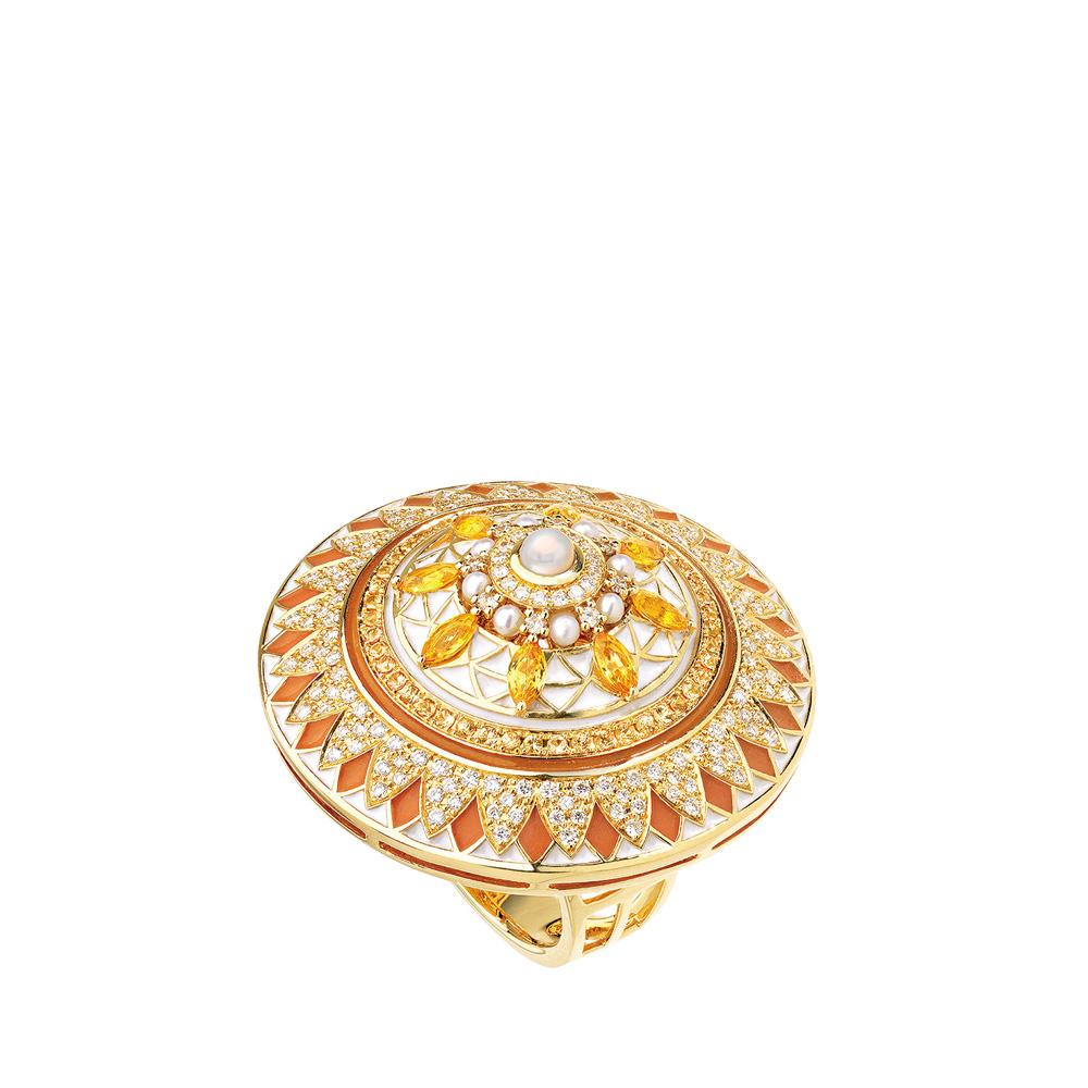 Soleil de Gaïa ring | Diamonds, sapphires, fresh water cultured pearls, yellow gold | Fine jewellery Lalique