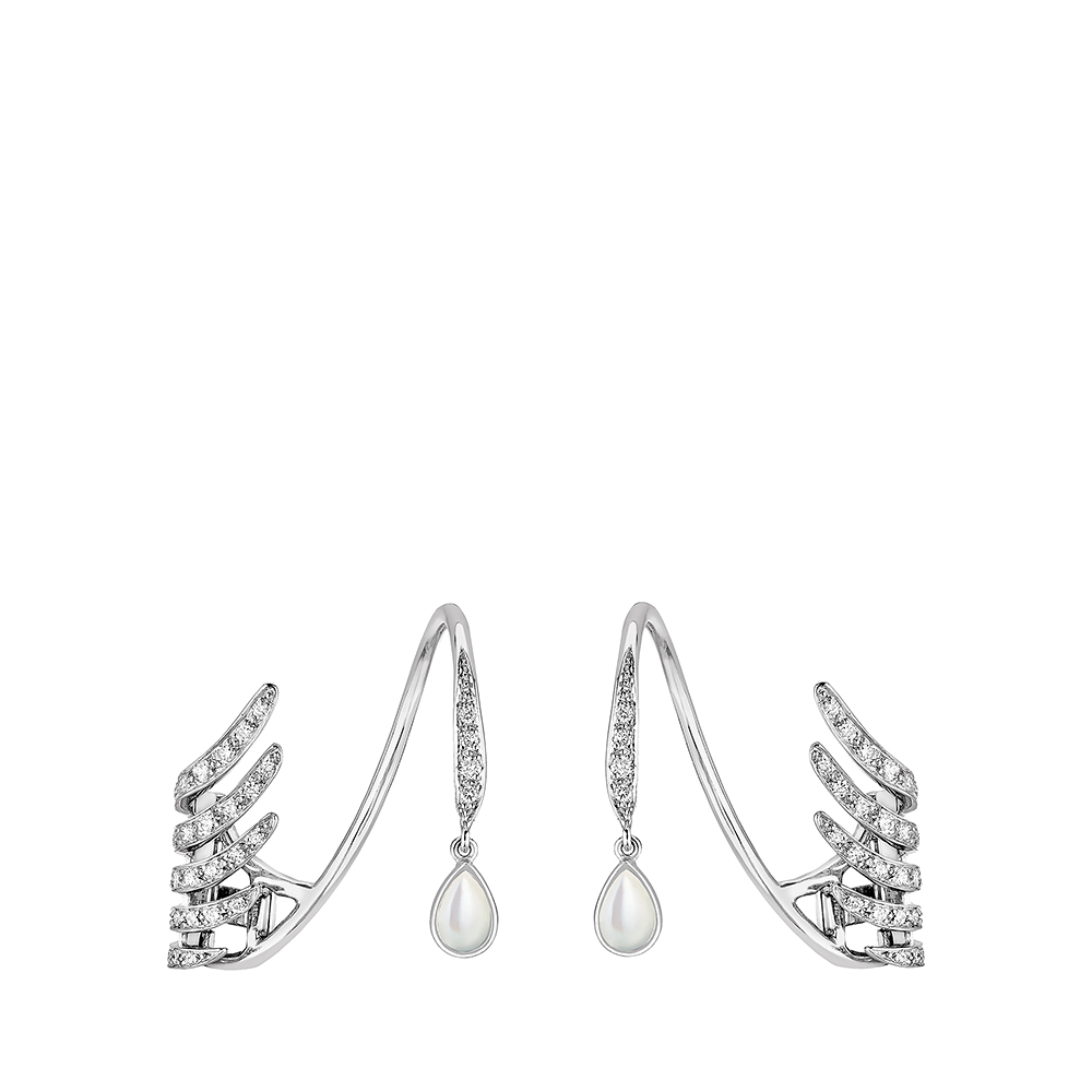 Vesta earrings | Diamonds, mother-of-pearl, white gold | Lalique fine jewellery