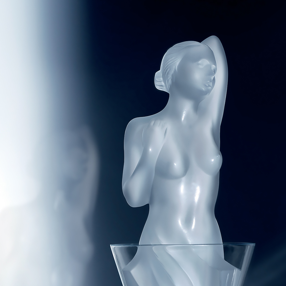 Aphrodite vintage decanter | Vintage 2017, clear crystal | Vintage carafe, decanter Lalique