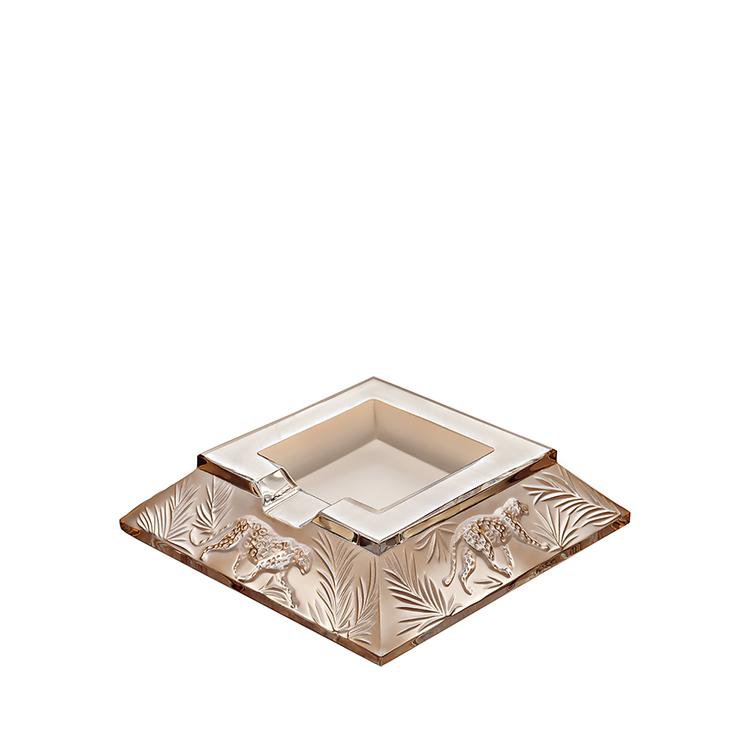 Jungle ashtray