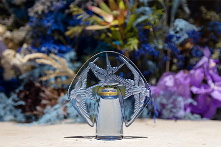 For the 100th anniversary of René Lalique's Villa, the Hirondelles perfume bottle is re-issued for a Collector Edition