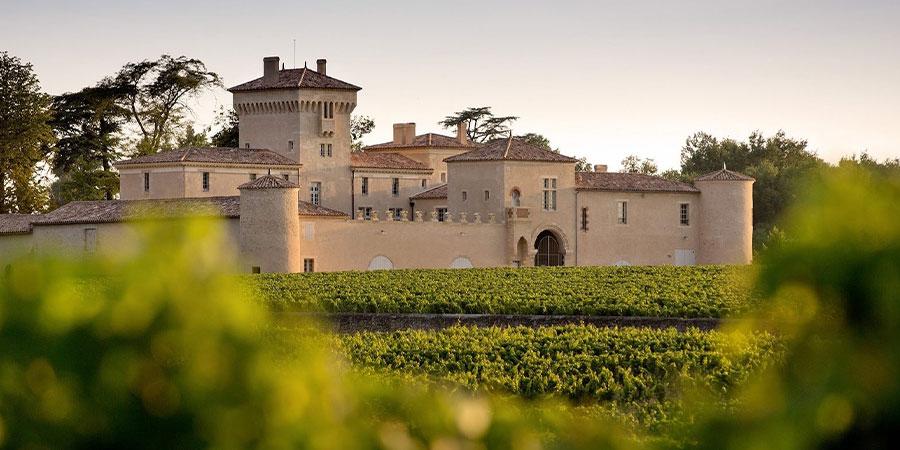 "Hotel & Restaurant Lalique at Château Lafaurie-Peyraguey wins the Villégiature Award 2021 for ""Best Vineyard Hotel"""