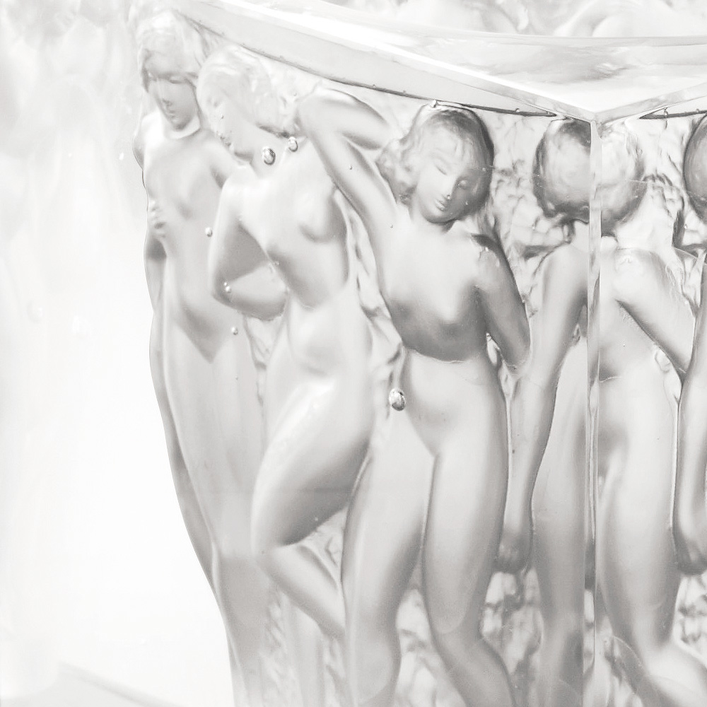 Révélation Bacchantes vase | Limited edition (99 pieces), clear crystal | Vase Lalique