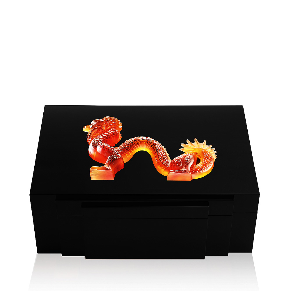 Dragon cigars box | Black lacquered with amber crystal, 100 cigars | Cigars box Lalique