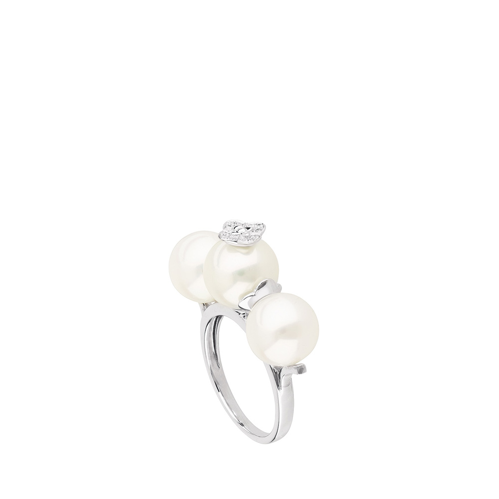 Muguet ring | Three fresh water cultured pearls and diamonds, white gold | Fine jewellery Lalique