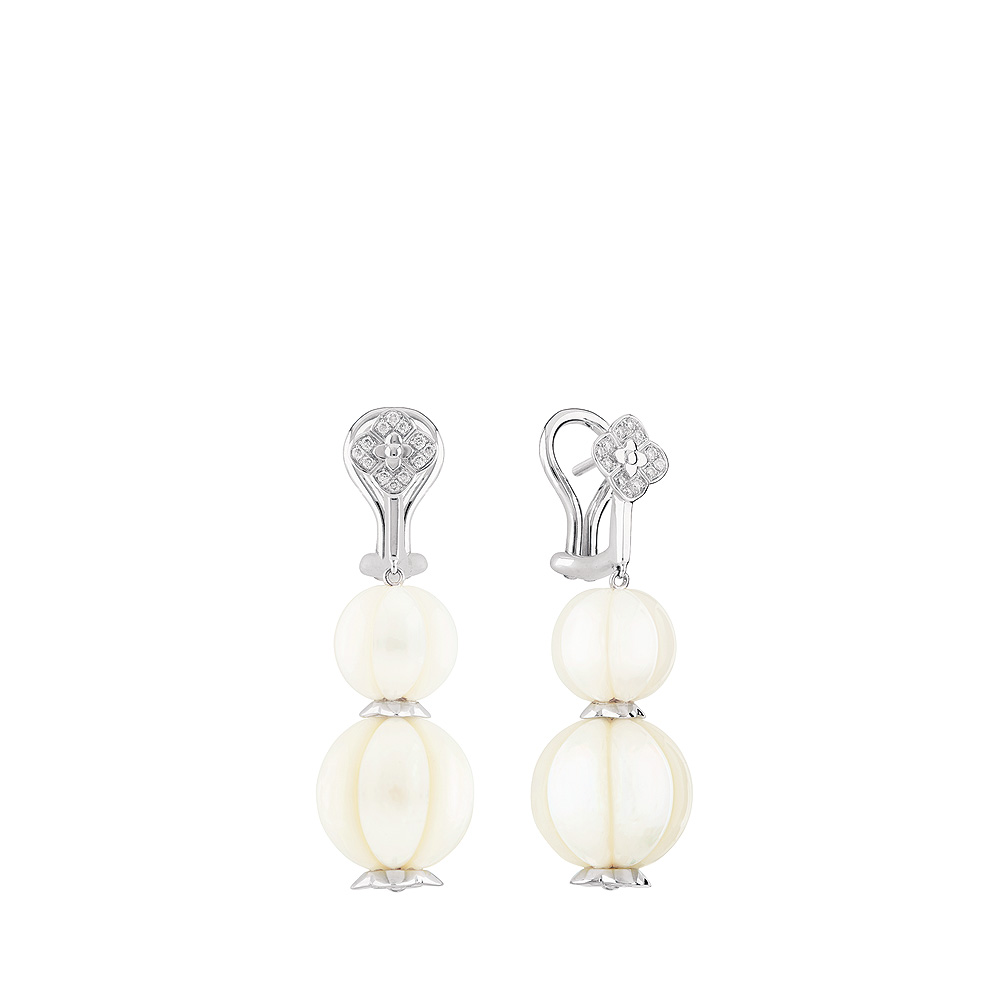 Muguet earrings | Fresh water cultured pearls and diamonds, white gold | Fine jewellery Lalique
