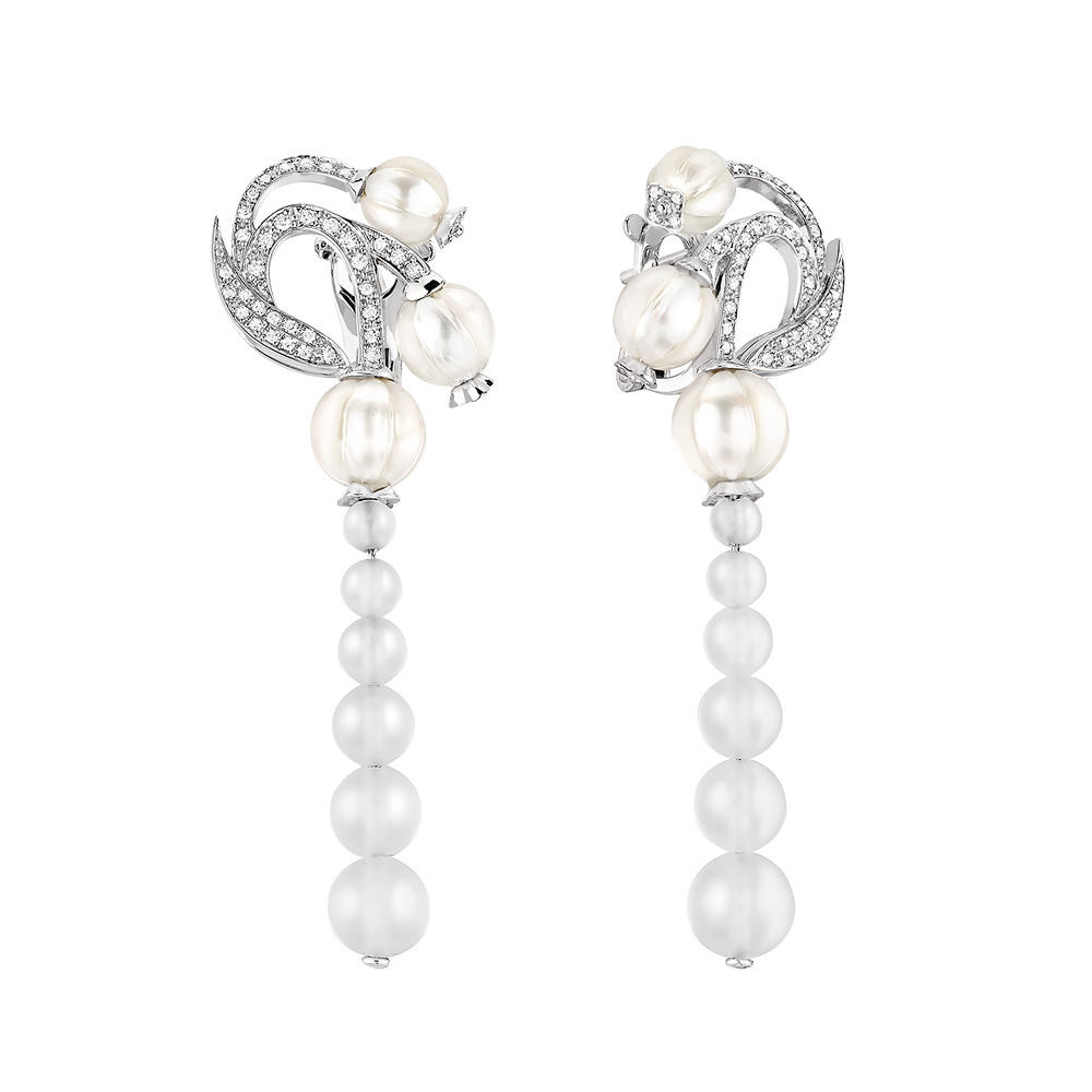 Muguet earrings | Diamonds, engraved pearls, clear crystal, white gold | Lalique fine jewellery