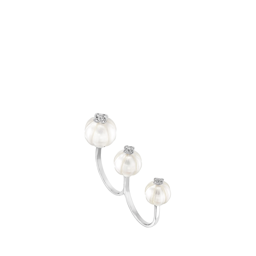 Muguet ring | Diamonds, engraved pearls, white gold | Lalique fine jewellery