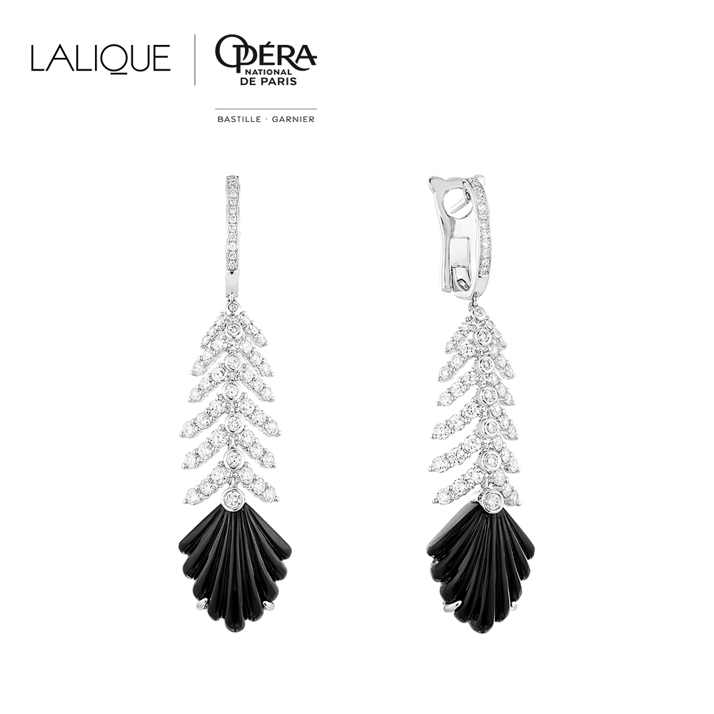 Adrienne earrings | Diamonds, onyx, white gold | Lalique fine jewellery