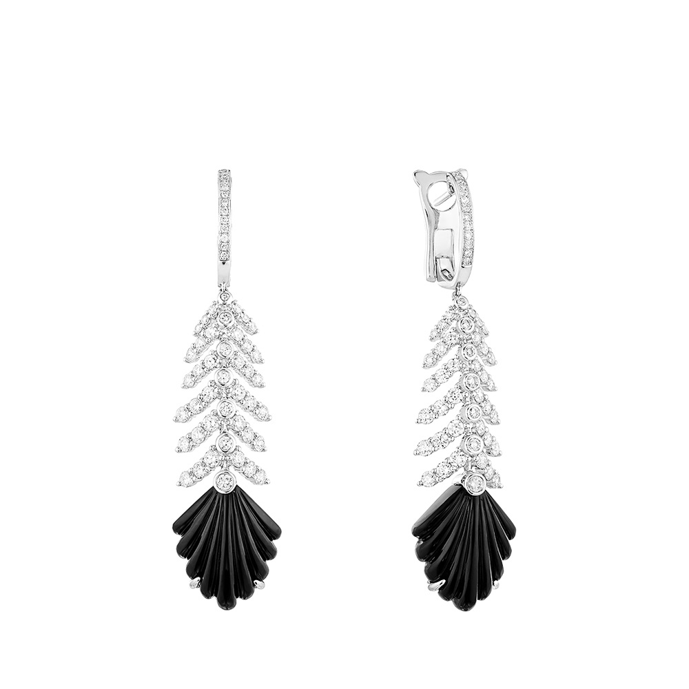 Adrienne earrings | WHITE GOLD, ONYX, DIAMONDS | Lalique fine jewellery