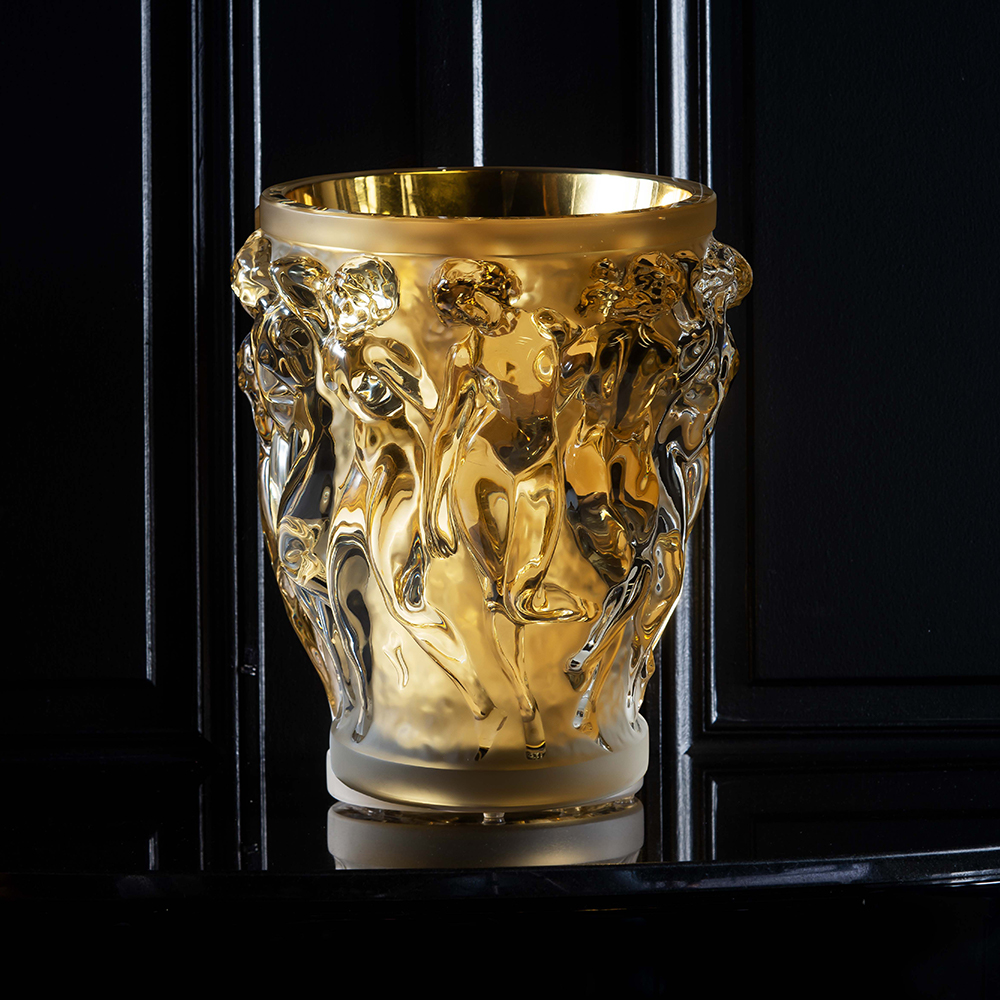 Bacchantes grand vase | Limited edition (90 pieces), clear crystal with gold leaf | Vase Lalique