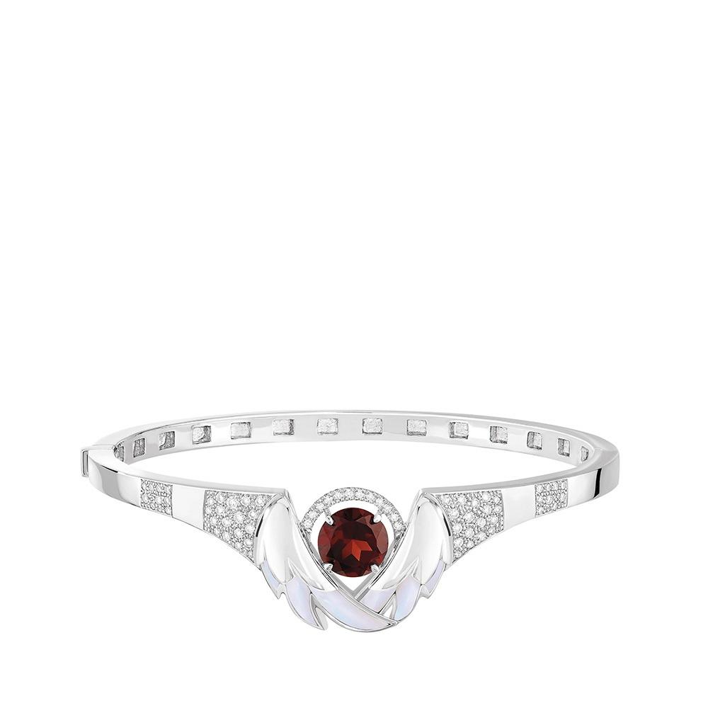 Cygnes Bracelet   WHITE GOLD, GARNET, DIAMONDS, MOTHER-OF-PEARL    Lalique fine jewellery