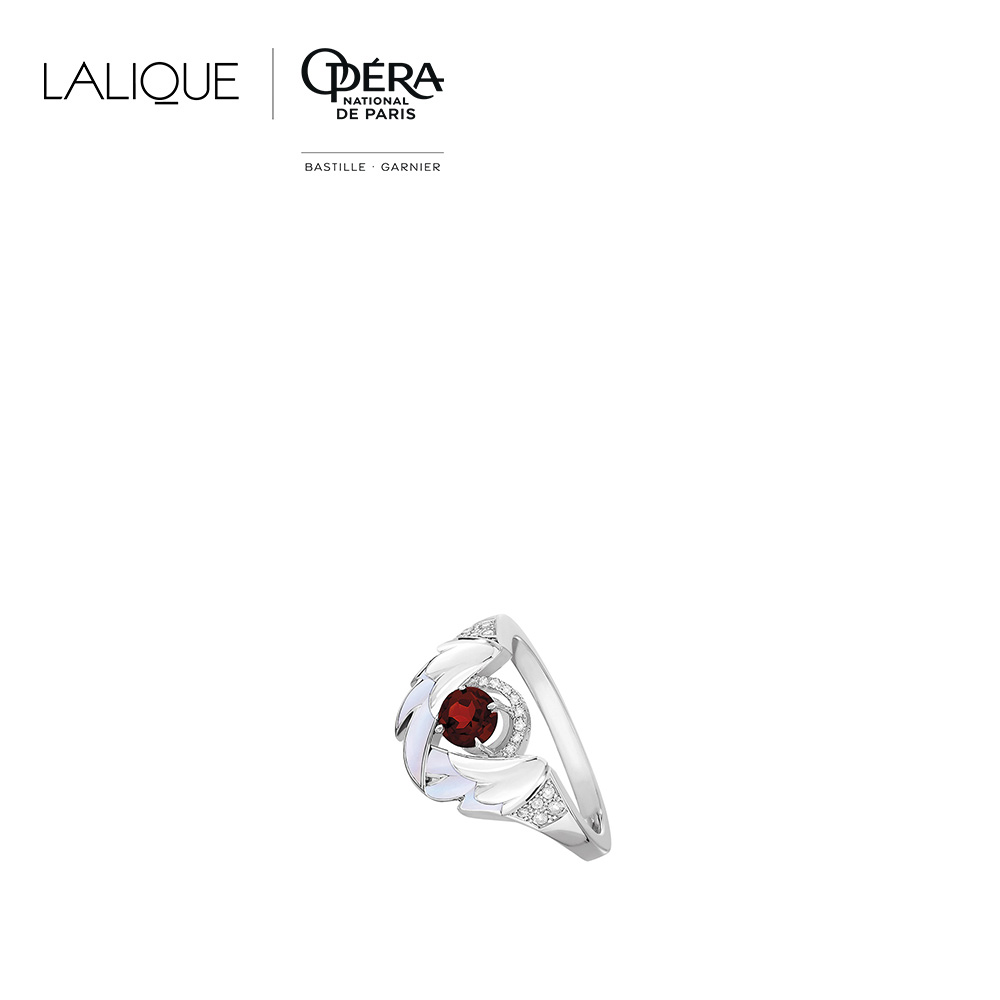 Cygnes Ring | Garnet, Diamond, Mother-of-pearl, White gold  | Lalique fine jewellery