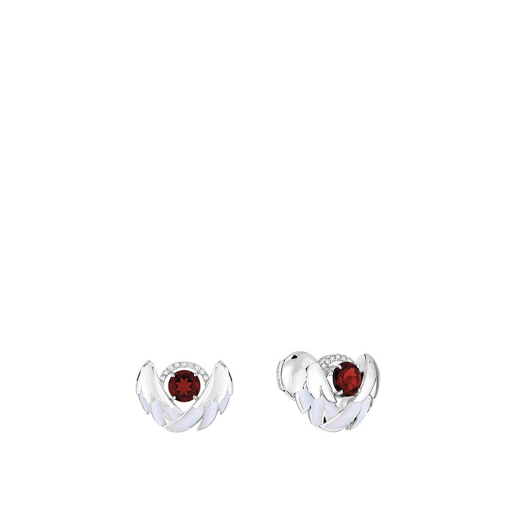 Cygnes Earrings | WHITE GOLD, GARNETS, DIAMONDS, MOTHER-OF-PEARL | Lalique fine jewellery