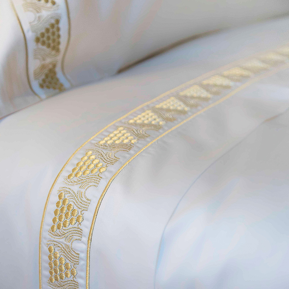 Raisins top flat sheet | Ivory cotton, ivory embroidery, mattress size 180 x 200 cm | Interior Design Lalique