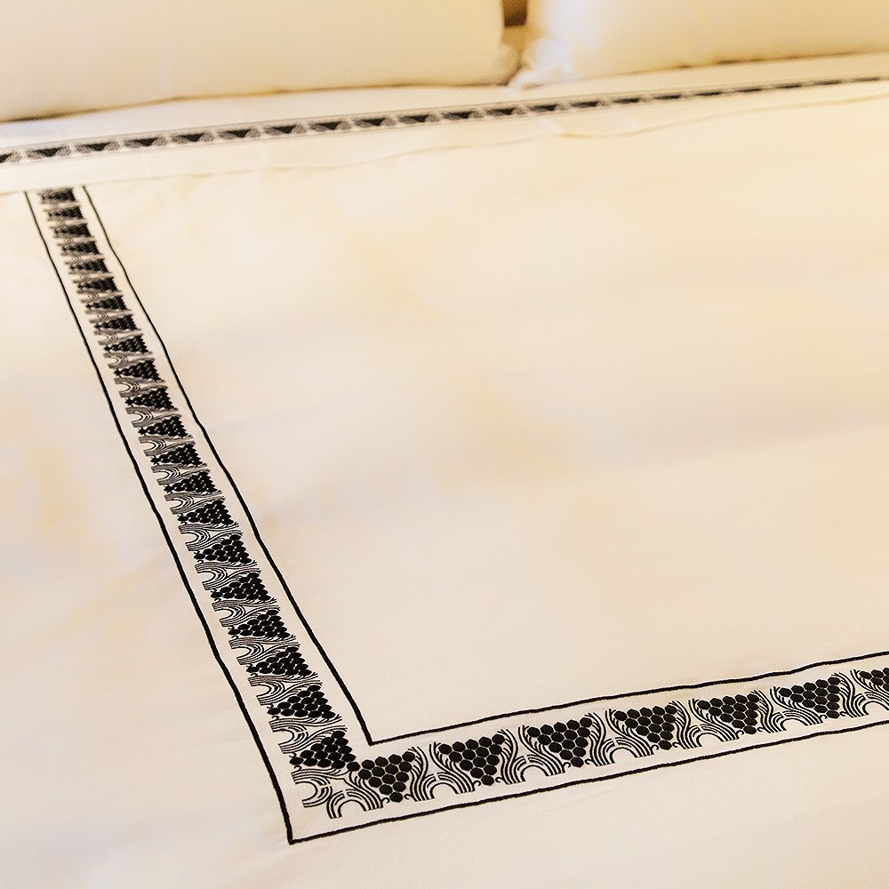 Raisins embroidered duvet cover | Ivory cotton, black embroidery, mattress size 180 x 200 cm | Interior Design Lalique