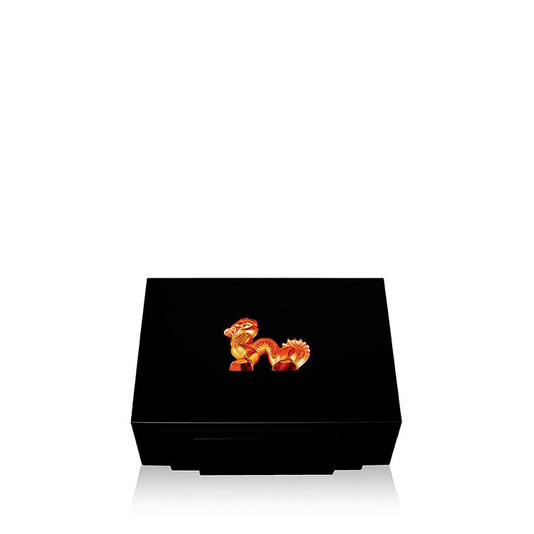 Dragon cigars box in black lacquered