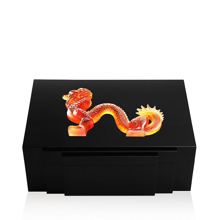 Dragon jewellery box in black lacquered