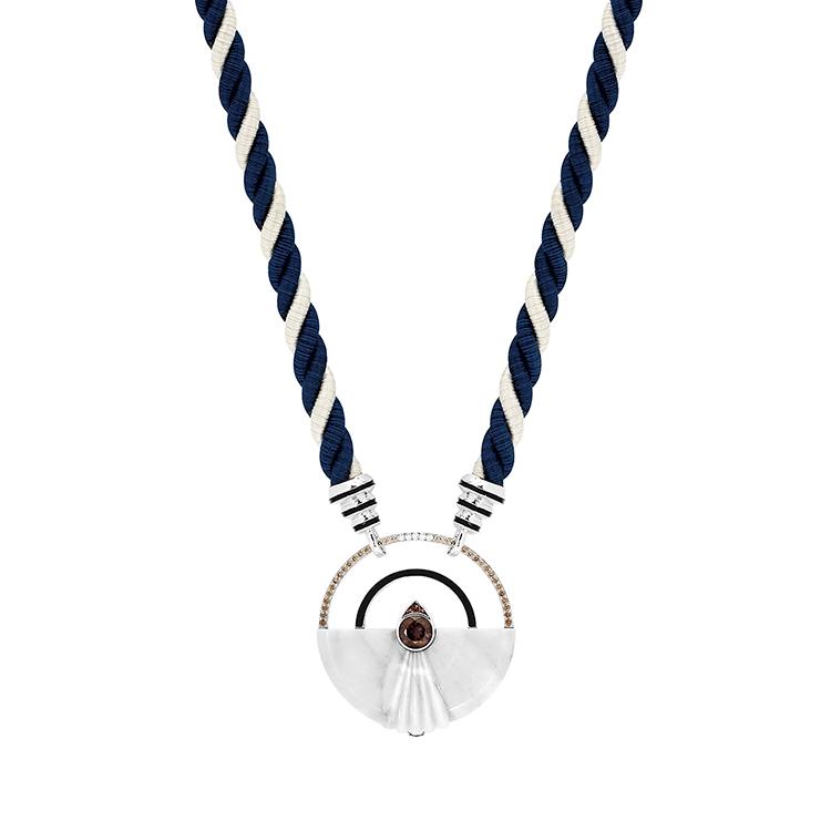 L'Oiseau Moqueur necklace